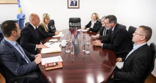 Kryeministri Haradinaj takon ambasadorin francez, Didier Chabert, dhe ambasadorin gjerman Christian Heldt