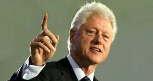 Ish-kryetari amerikan Bill Clinton e përfundoi vizitën e tij dyditore në Kosovë, në shënimin e 20-vjetorit të çlirimit