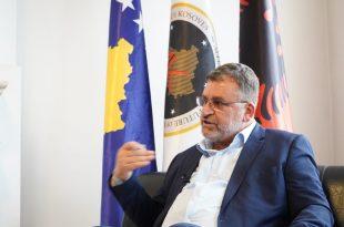 """Sqarimi i ministrit, Blerim Kuçi rreth shkrimit, """"Kompania e ministrit Kuçi shpërblehet me tender 5 milionësh"""""""