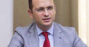 Ministri, Ditmir Bushati ka filluar vizitën në Kosovë për ta sjellë qëndrimin e Tiranës zyrtare lidhur me kufijtë