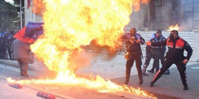 Zjarrëvenësit e Shqipërisë