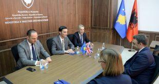 Ministri Shala priti në takim ambasadorin O'Connell, flasin për përkrahjen ekonomike të Kosovës