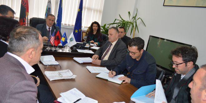 Drejtuesit e KPMM-së: Musa Shabani dhe Ramiz Krasniqi u takuan në Malishevë, me kryetarin, Ragip Begaj