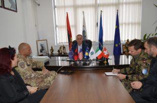 Kryetari, Begaj, priti në takim komandantin e kontingjentit italian të KFOR-it, kolonelin Daniele Pisani