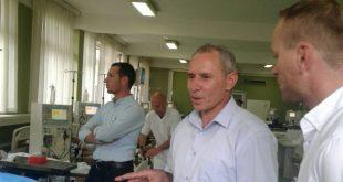 Nënkryetari i Malishevës, Hajdin Berisha me bashkëpunëtorët vizituan pacientët nga Malisheva, në dializë