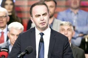 Kryetari i komunës së Tuzit, Nik Gjeloshaj jep dorëheqje nga pozita e deputetit në Kuvendin e Malit të Zi