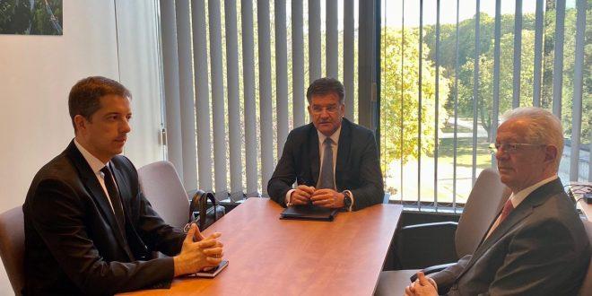 Ka përfunduar në Bruksel takimi në mes të delegacionit të Kosovës dhe atij të Serbisë pa ndonjë rezultat