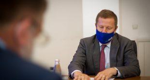Bashkimi Evropian kërkon nga Qeveria e Kosovës që të tërheq investitorët e huaj