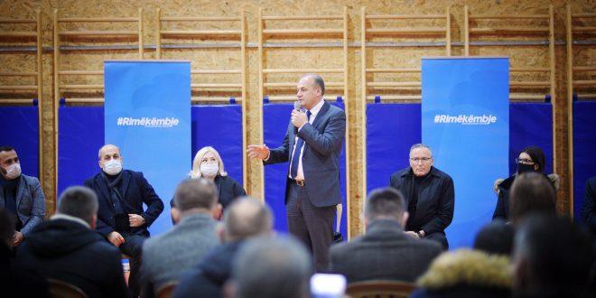 Enver Hoxhaj: Qytetarët e Mitrovicës u lanë anash nga kryetari i tyre i pasur që e shndërroi këtë vend në komunën më të varfër