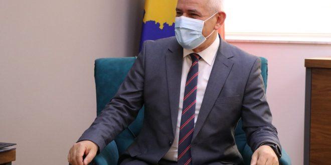Xhelal Sveçla: Shqiptimi i gjobave po bëhet për në përputhje me ligjin e jo për inate e as për të inkasuar fonde