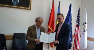 """Adem Lushaj: Çmimi """"Din Mehmeti"""" është një konkurs letrar që ka në fokus letërsinë shqipe"""