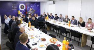 Kryetari i AAK-së, Ramush Haradinaj shtron iftar për përfaqësuesit e Bashkësisë Islame të Kosovës