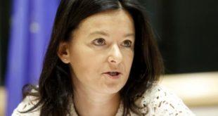 Eurodeputetja Tanja Fajon thotë se duhet të revokohet taksa e vendosur nga Kosova për produktet serbe e boshnjake