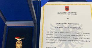 Kryetari i Shqipërisë, Ilir Meta ka dekoruar dëshmorin, Ahmet Cami