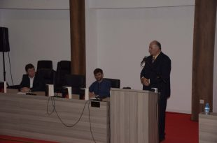 """Nën organizimin kryetarit, Bashkim Ramosaj, u përurua libri: """"Krimet serbe në Kosovë-Rasti i Deçanit"""", vepër e autorit, Adem Lushaj"""