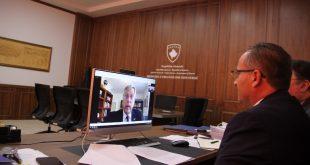Ministri, Vesel Krasniqi, zhvilloi një bisedë virtuale me ambasadorin amerikan në Kosovë, Philip S. Kosnett