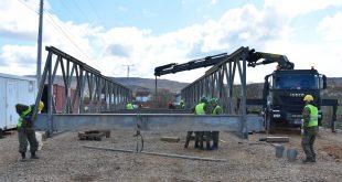 Inxhinierët e FSK-së fillojnë ndërtimin e urës së radhës në Dritan të Drenasit