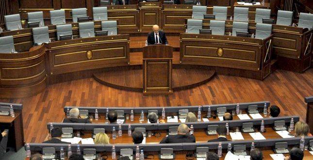 Partitë opozitare pas dështimit të rezolutës opsion tjetër shohin organizimin e protestave por janë të pa koordinuara