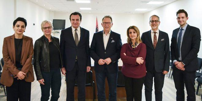 Kurti takon deputetët e Parlamentit Gjerman, Ervin Ruddle nga CDU dhe Maria Klein-Schmeink nga partia e Gjelbër