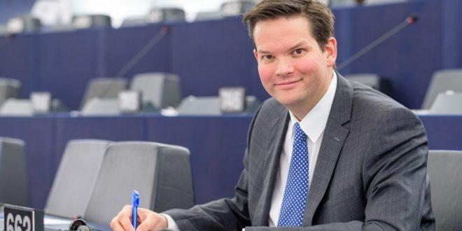 Lukas Mandl: Kosova i ka plotësuar të gjitha kushtet për liberalizimin e vizave por është bllokuar për arsye politike