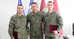 """Gjeneral Rama përgëzoi ushtarët e FSK-së që zunë vendin e parë në garën """"Ushtari më i mirë"""""""
