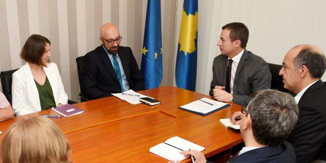 Reformat e nisura nga ministri i Punës dhe Mirëqenies Sociale, Skender Reçica përkrahen nga Banka Botërore