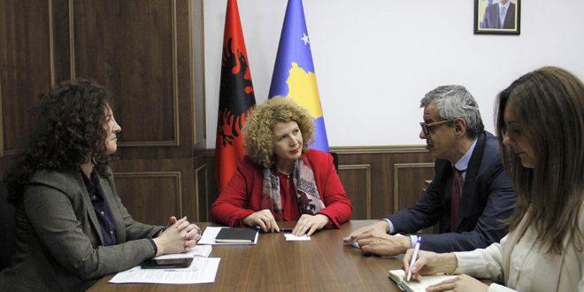 Ministrja, Rozeta Hajdari, u takua me përfaqësues të CEFTA-s