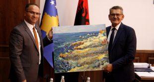 Ministri i Tregtisë dhe Industrisë, Vesel Krasniqi, priti në takim kryetarin e Komunës së Ulqinit, Loro Nrekiq