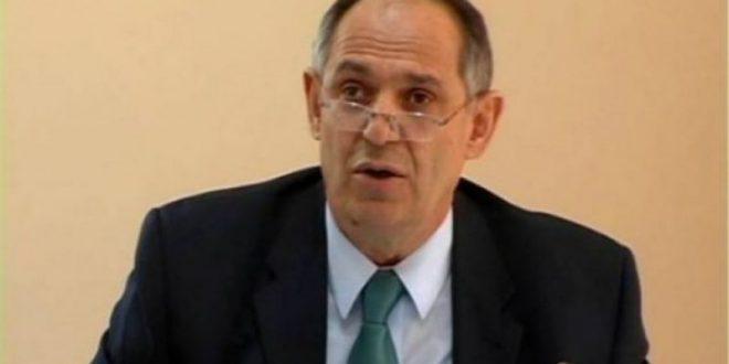 Profesori dhe ish anëtari i LKJ-së, Muhamet Mustafa, ka treguar se është i angazhuar nga Albin Kurti në grupin e ekspertëve
