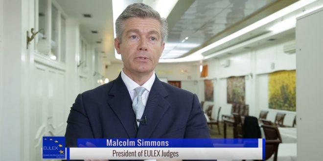RKL: Kush i ka shpërfillur dhe po i shpërfillë deklaratat e ish-kryetarit i bordit të gjyqtarëve të EULEX-it, anglezit, Malcom Simmons?