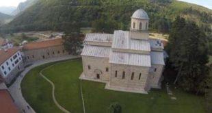 Reagim i OJQ-ve lidhur me përfshirjen e Manastirit të Deçanit në listën e 7 monumenteve të rrezikuara