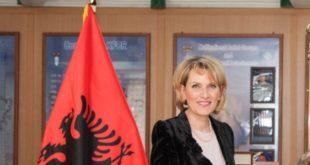 Shqipëri: Ishulli ushtarak hapet për turizëm