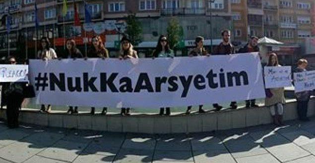 Rrjeti i Grupeve të Grave të Kosovës mban marsh protestues kundër dhunës ndaj grave