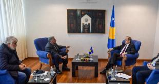 Kryeministri në detyrë, Avdullah Hoti pret në takim përfaqësuesit e Sindikatës së Bashkuar të Arsimit