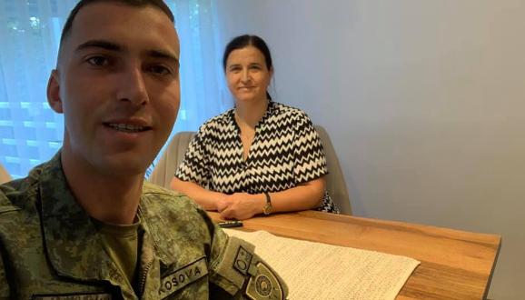 Luan Haradinaj pas diplomimit sot e fillon punën si oficer në Forcën e Sigurisë së Kosovës