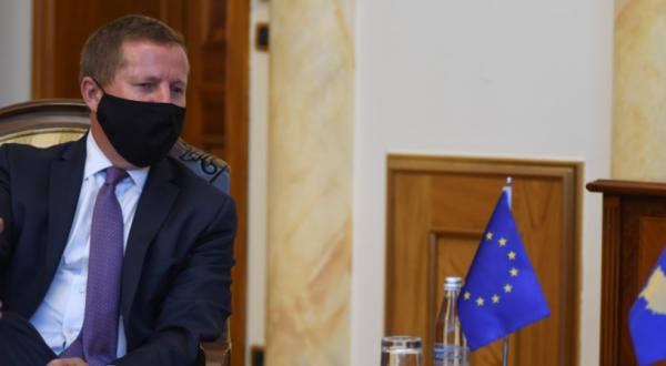 Ambasadori i BE-së, në Kosovë, Tomas Szunyog takohet me kryetarin e PDK-së, Kadri Veseli