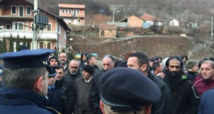 Protestuesit e bllokojnë rrugën Mitrovicë - Stantërg në shenjë pakënaqësie me punësimet e fundit
