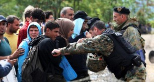 Sllavo-maqedonasit po i keqtrajtojnë refugjatët në kufi me Greqinë