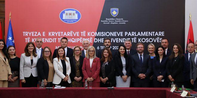 U mbajt Tryeza e kryetarëve të Komisioneve të Kuvendit të Shqipërisë dhe Kuvendit të Kosovës