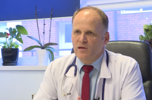 Valbon Krasniqi thotë se përkundër që ka një rënie të lehtë të rasteve me virusin korona, gjendja përsëri mbetet e rënduar