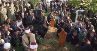 Me nderime të larta ushtarake është varrosur në Prishtinë, Shasivar Makolli