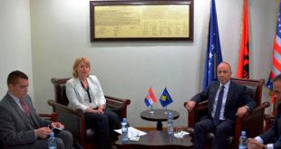 Ministri Zharku priti ambasadoren kroate në Kosovë, Marija Kapitanoviq