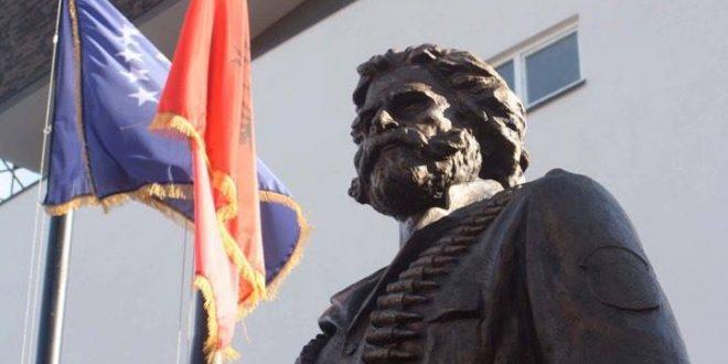 Pacolli: Komandantit legjendar, Adem Jashari po kthehet në Prishtinë i skalitur në bronz për t'i bërë roje kujtesës koleltive
