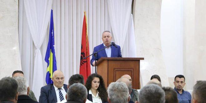 Kryetari i Komunës së Junikut, Agron Kuçi, po garon edhe për një mandat për kryetar të kësaj komune