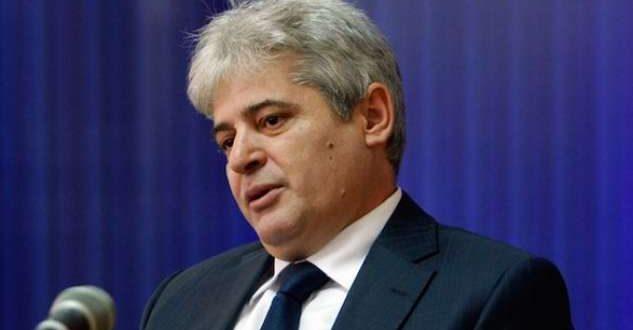 Lideri i BDI-së, Ali Ahmeti thotë se shqiptarëve në Maqedoni nuk u duhen më shumë se dy parti politike