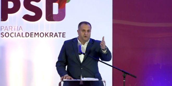 Kryetari i Prishtinës, Shpend Ahmeti jep dorëheqje nga pozita e kryetarit të Partisë Socialedemokrate
