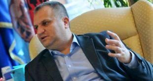 Kryetari i Prishtinës, Shpend Ahmeti, thotë se rikthimi i pandemisë mund të marrë shumë jetë njerëzish