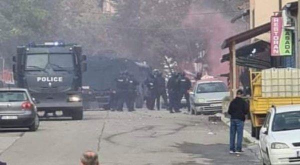 Qytetarët serbë në veri të vendit, kundërshtojnë aksionin e Policisë së Kosovës kundër kontrabandës së mallrave