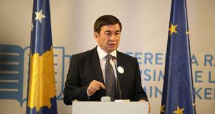 Ministri i Arsimit, i siguron të gjithë prindërit së në këtë vit nuk do të ketë grevë të mësimdhënësve