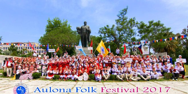 "Albert Z. Zholi: Flet Presidenti i Shoqatës ""Aulona Folk Festival"", Sejmen Gjokoli"